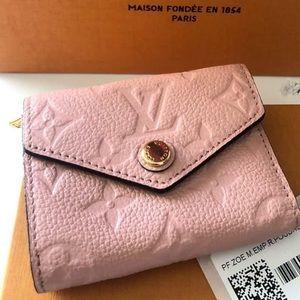 Louis Vuitton Zoé Wallet in Rose